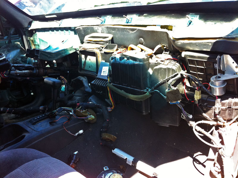 Here S What It Looks Like When Removing The Dash For Getting To Heater Core This Photo Was From A Junk Yard Zj I Pulling Some Parts